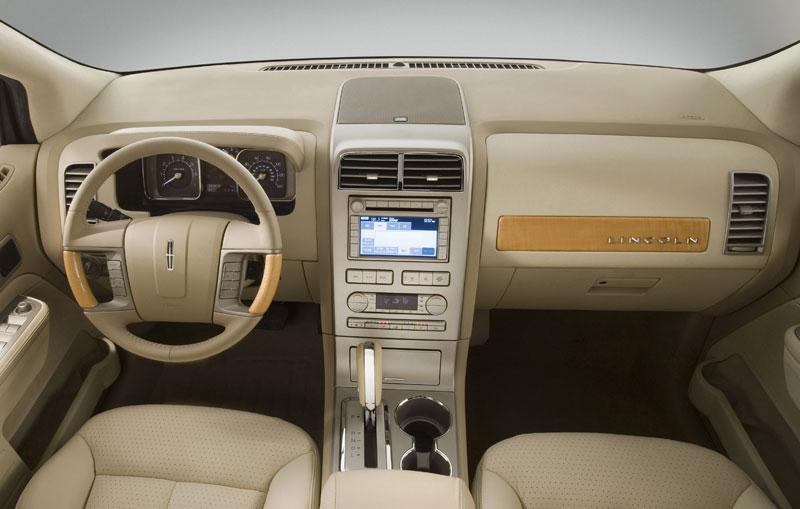 Lincoln%20MKX%20Interior%201lg.jpg