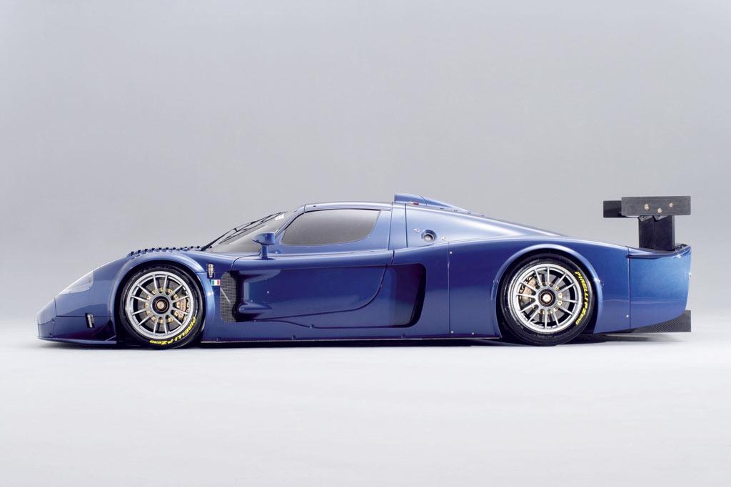 http://www.carbodydesign.com/archive/2006/06/05-maserati-mc12-corsa/Maserati-MC12-Corsa-4-lg.jpg