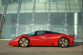 Starting from a Ferrari Enzo the aim was to produce a sole vehicle