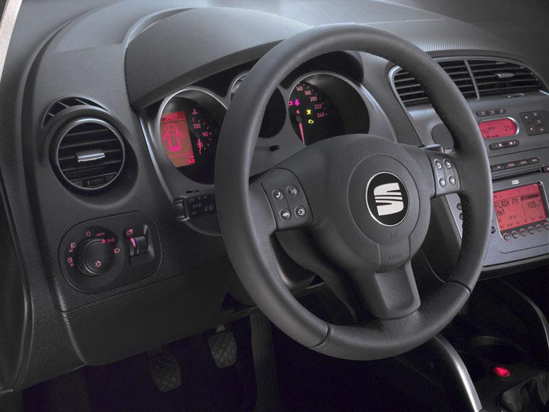 Seat Altea XL interior - Car Body Design