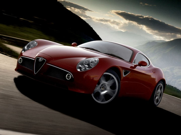Alfa Romeo 8C Competizione: new images and videos