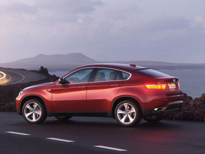 BMW X6 - Car Body Design