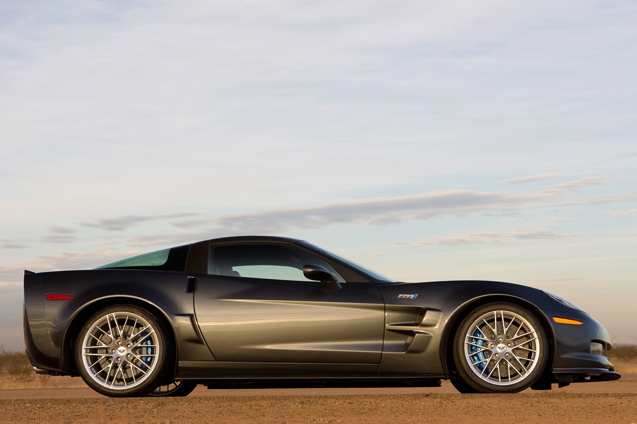 http://www.carbodydesign.com/archive/2007/12/27-chevrolet-corvette-zr1/2009-Chevrolet-Corvette-ZR1-3-lg.jpg
