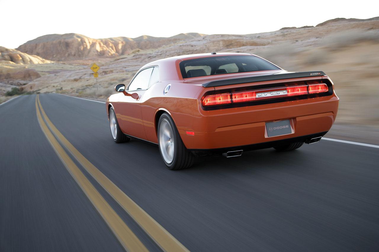 Dodge-Challenger-SRT8-06.jpg