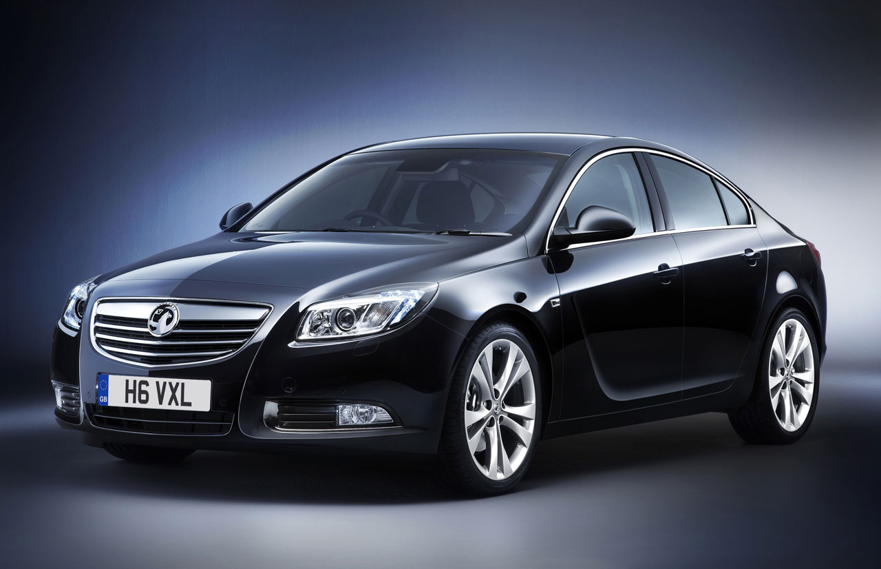 opel insignia sedan berkercag. Black Bedroom Furniture Sets. Home Design Ideas