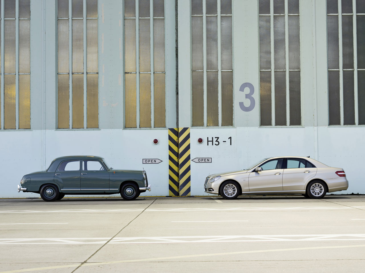 Mercedes benz e class model history car body design for Mercedes benz model history