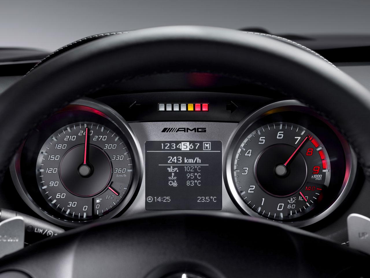 Mercedes Benz SLS AMG Images