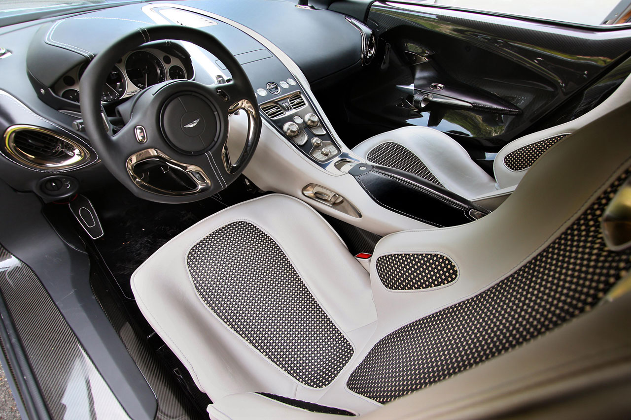 Aston Martin One 77 Interior lg Aston Martin One 77