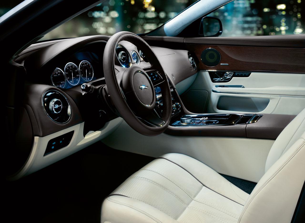 Jaguar-XJ-Interior-4-lg.jpg