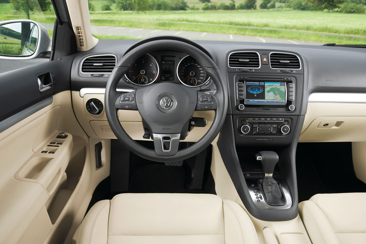 Vw golf variant interior car body design for Interior golf variant