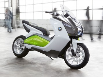 Electric Scooter on Bmw Concept Is A Study Of An Eco Friendly Electric Scooter That