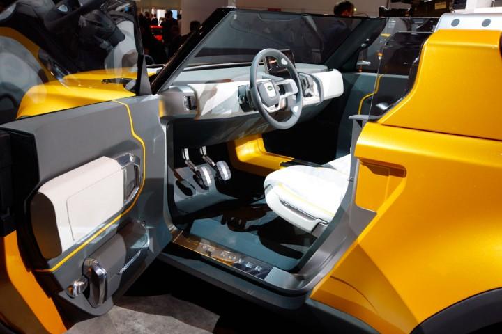 http://www.carbodydesign.com/media/2011/09/Land-Rover-DC100-Sport-Concept-Interior-05-720x480.jpg