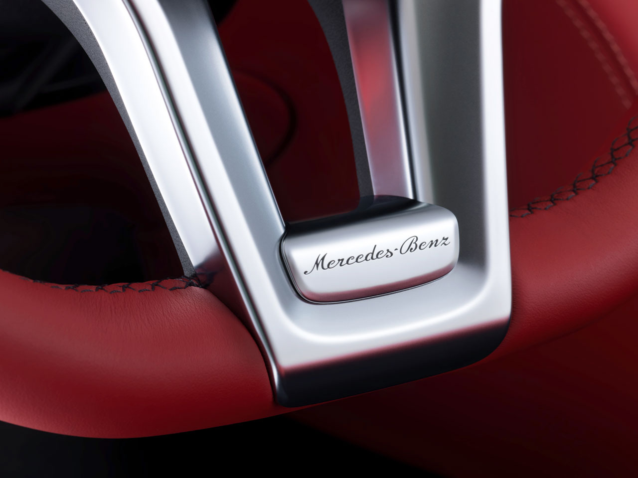 Mercedes-Benz SL-Class - Steering wheel detail