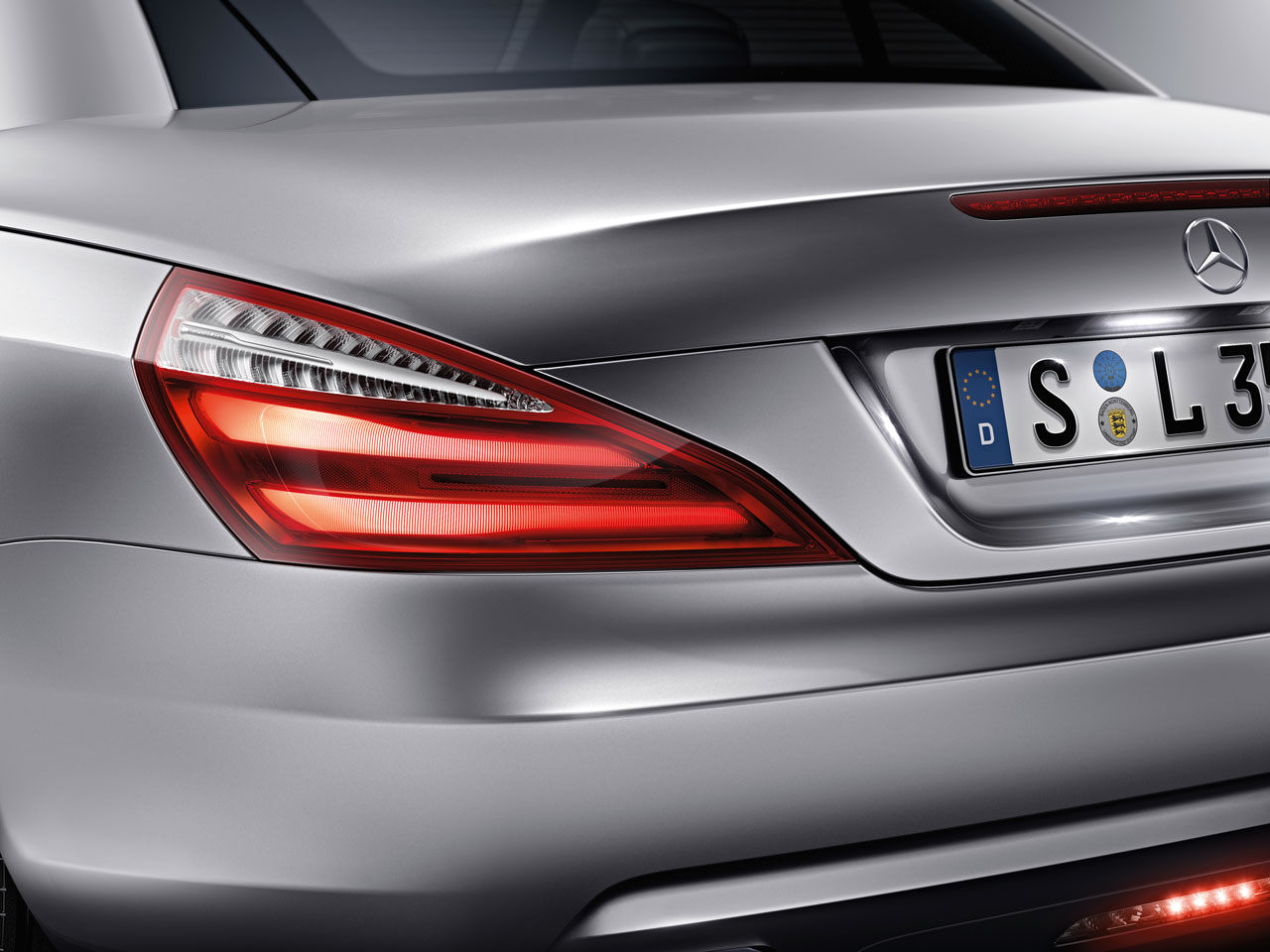 Benz cls tail pictures for Mercedes benz lighting