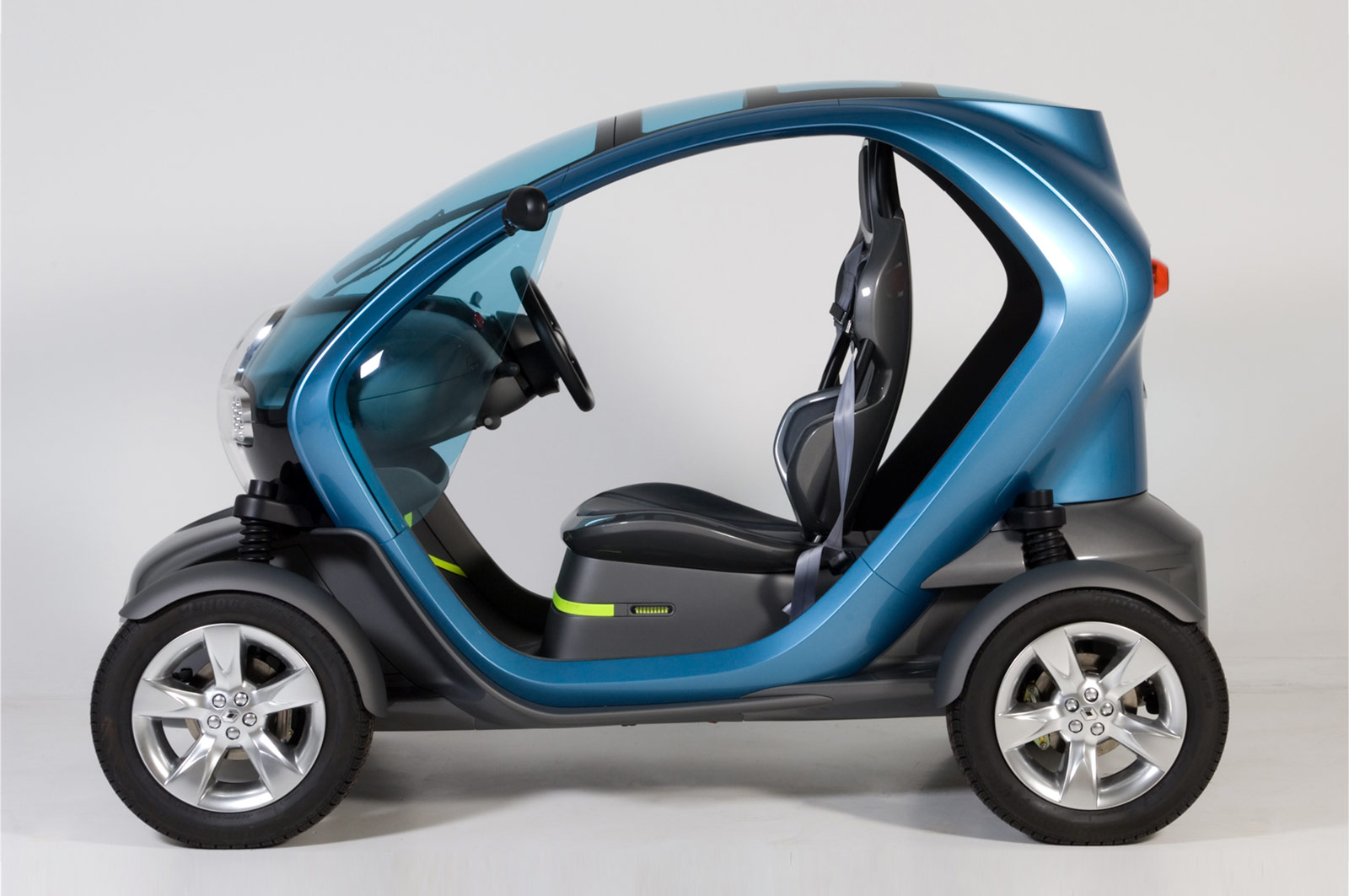 renault twizy final prototype car body design. Black Bedroom Furniture Sets. Home Design Ideas