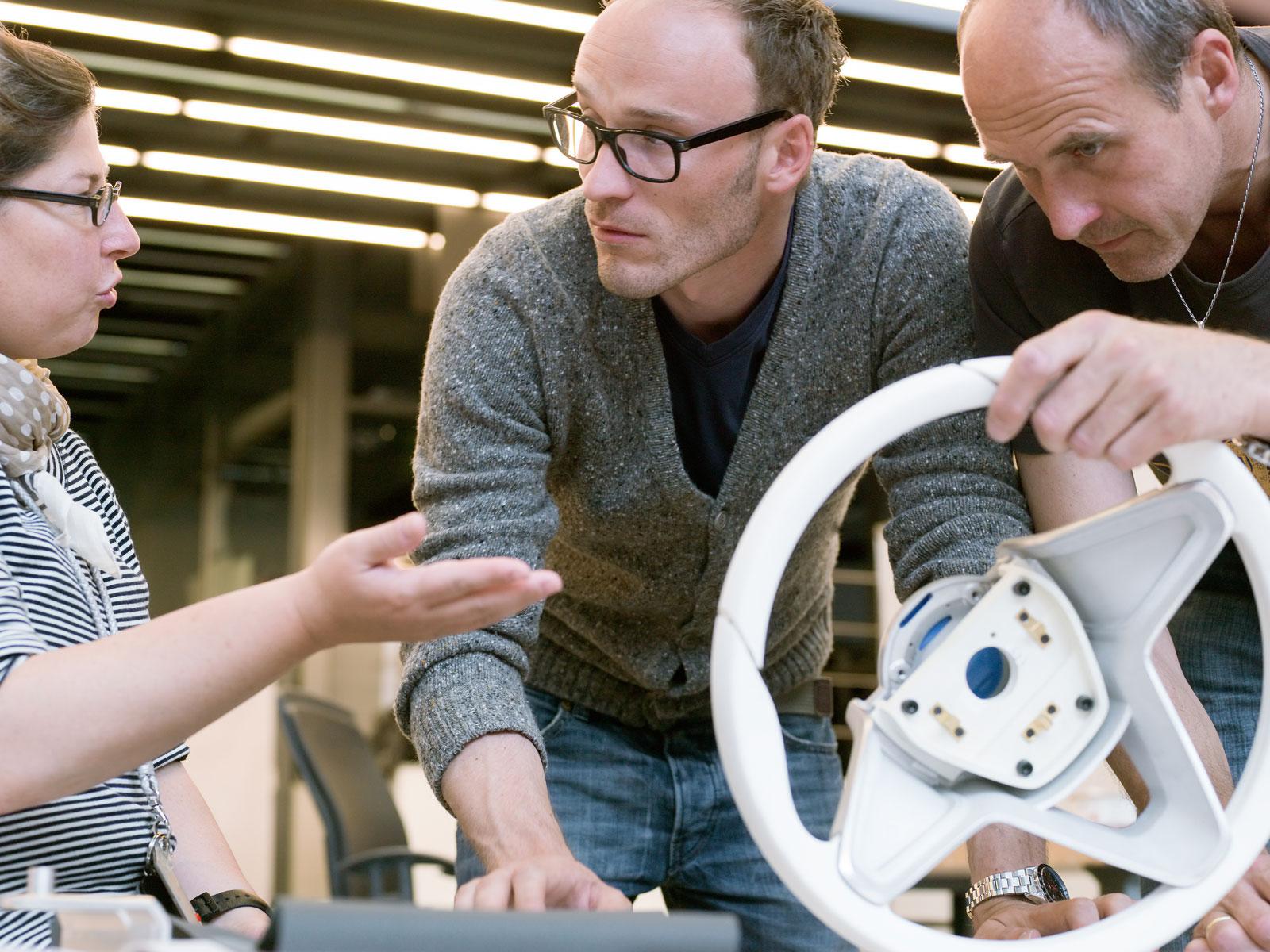 - 08-BMW-interior-design-team-Corona-Doring-Max-Rathmann-Robert-Gold