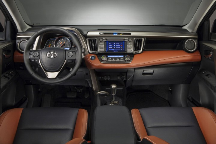 toyota-new-rav4-interior-01