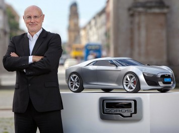 Gert Hildebrand with Qoros Design Model