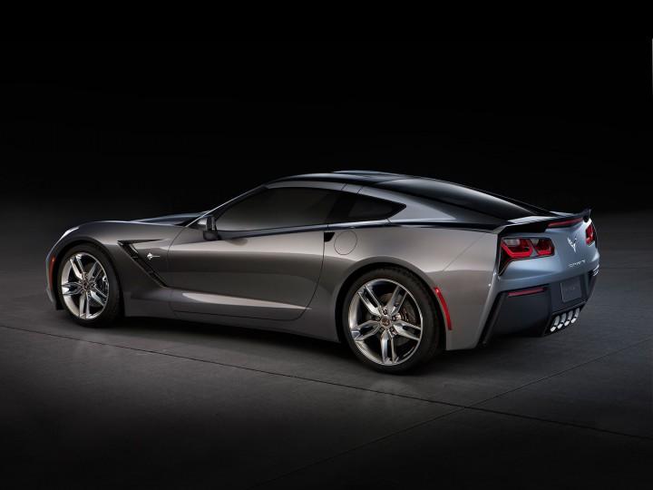The 2014 Chevrolet Corvette Stingray - Car Body Design