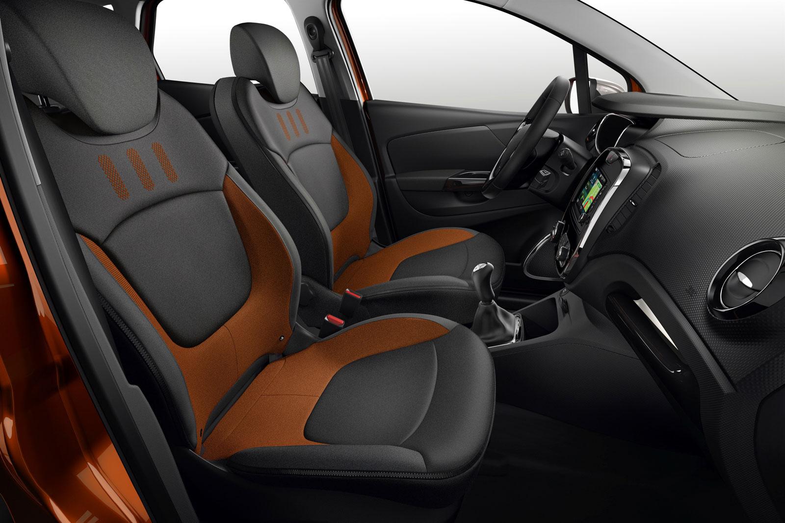 Renault Captur Interior - Car Body Design