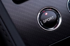 Aston Martin V12 Vantage S - Engine Start Button