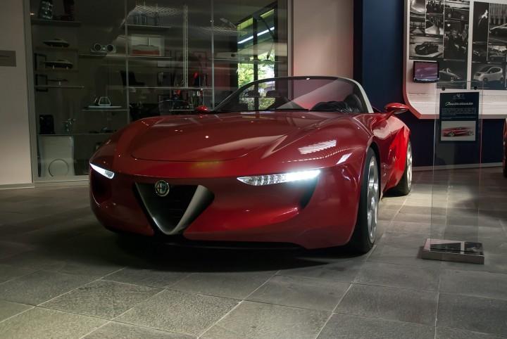 Lamborghini Veneno, Pininfarina, Bertone - Italienisches Design in ...