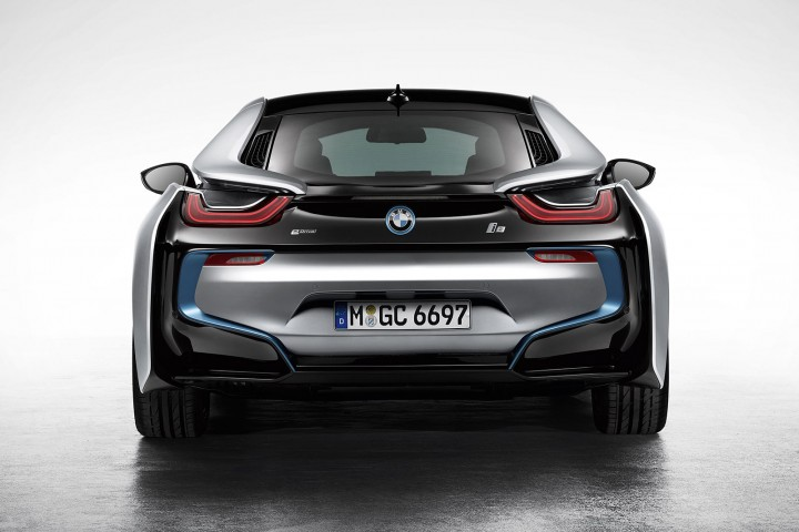 Bmw Designers Have Maintained The Black Belt Which Emerges In A V Shape From Hood And Extends Back Over Roof Into Rear Section Of Car