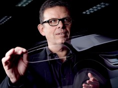Peter Schreyer wins the Golden Steering Wheel awards