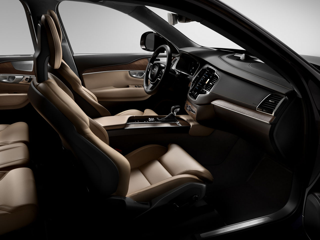 Volvo XC90 Interior - Car Body Design