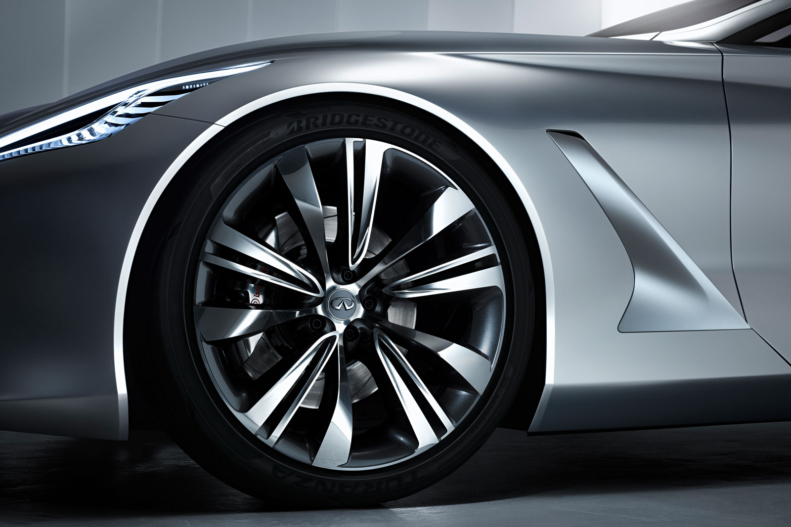 Infiniti Q80 Inspiration Concept Wheel Car Body Design