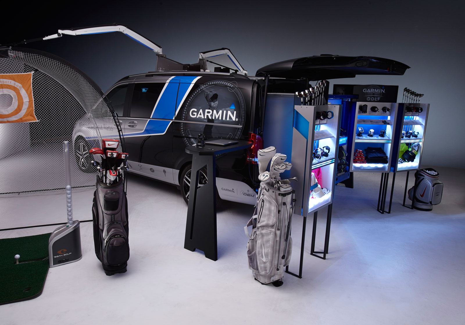 Mercedes Benz Mobile Golf Pro Shop Concept By Garmin
