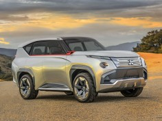Mitsubishi brings the GC-PHEV Concept to the Chicago Show