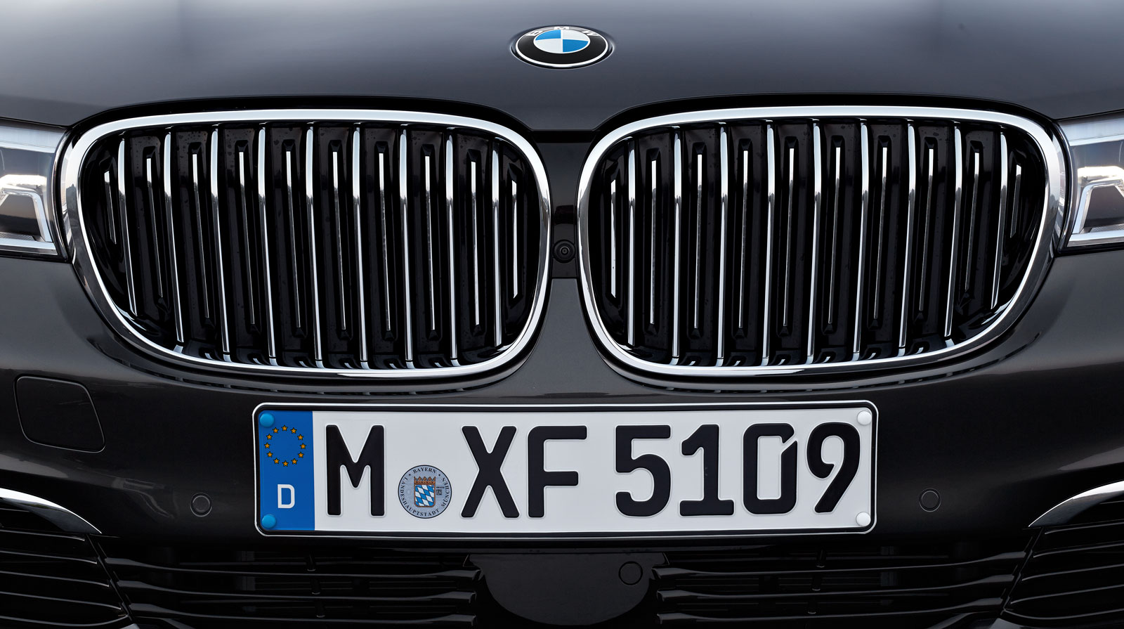 Bmw 7 Series Kidney Grille With Active Shutters Car Body Design