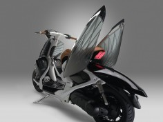 Yamaha 04GEN is a scooter concept with semi-transparent body
