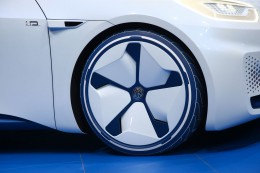 Volkswagen I.D. Concept at Paris 2016 Wheel