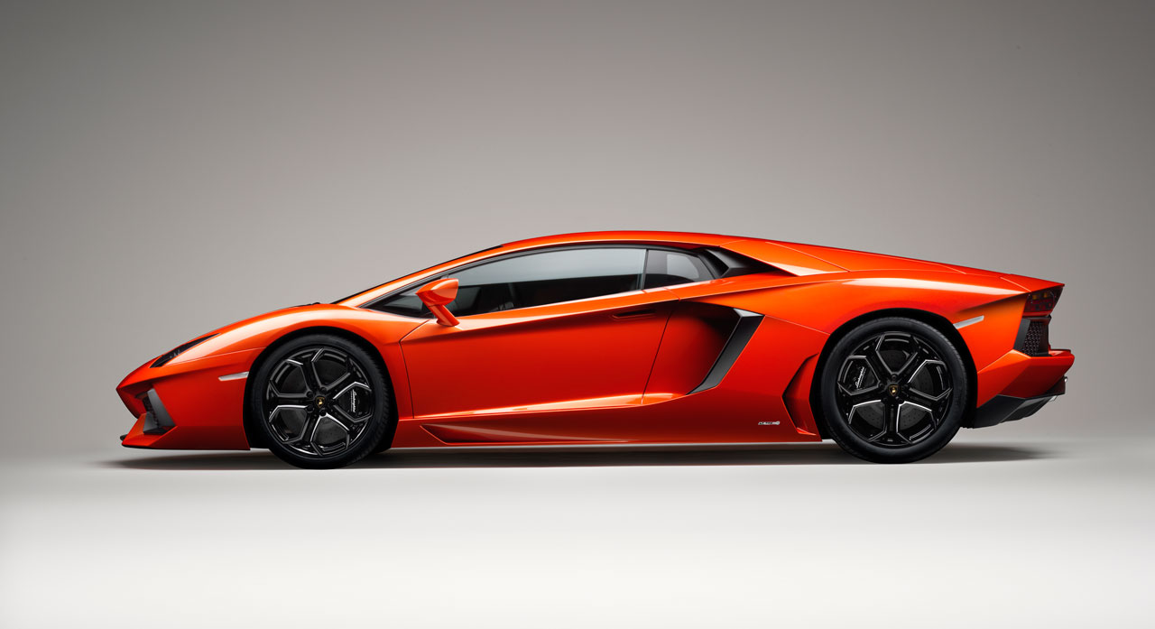 Lamborghini Aventador Lp 700 4 Side View Car Body Design