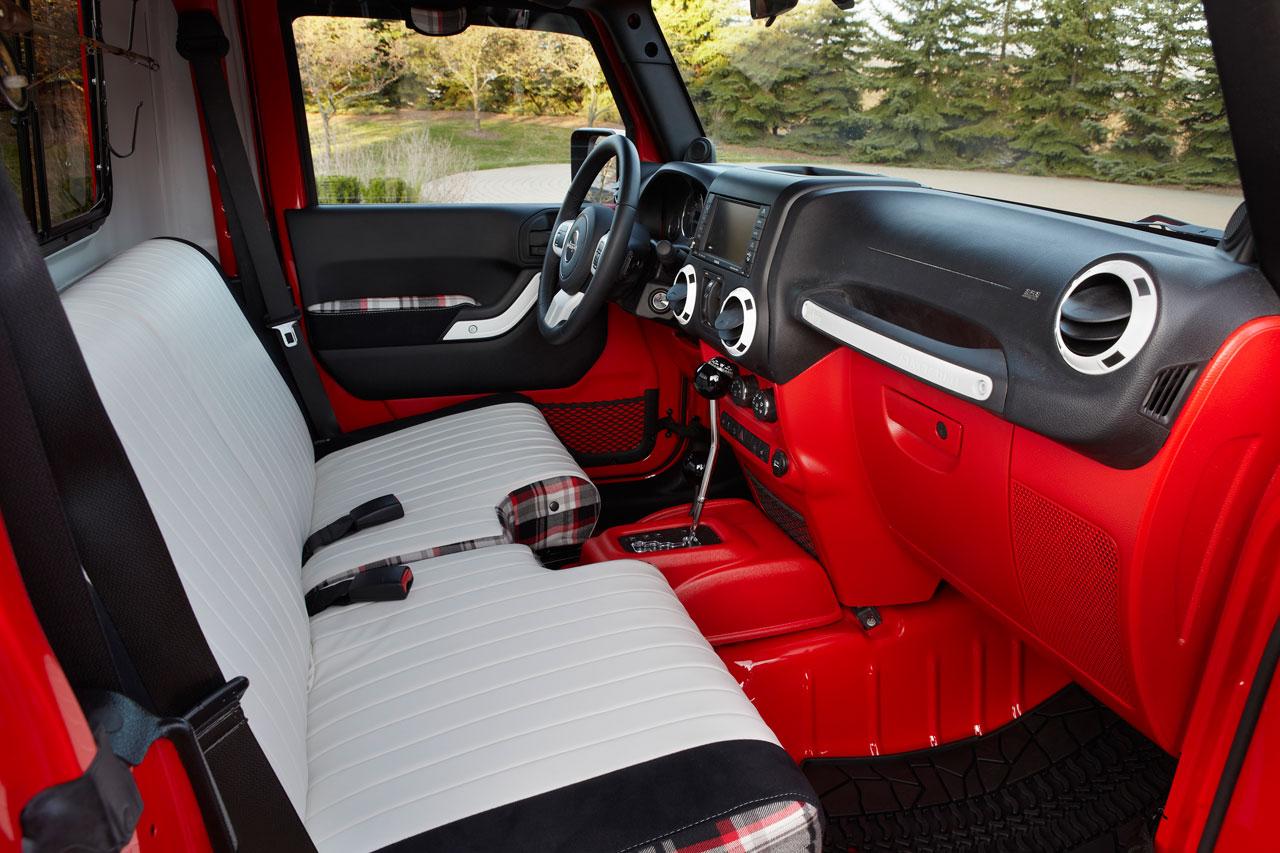 Jeep J 12 Concept Concept Interior Car Body Design