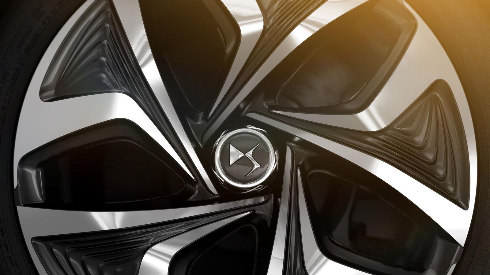 Citroen DS5 White Pearl - Wheel - Car Body Design