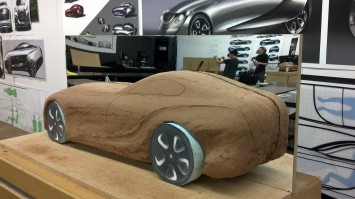 Bentley 2030 Concept Clay Modeling