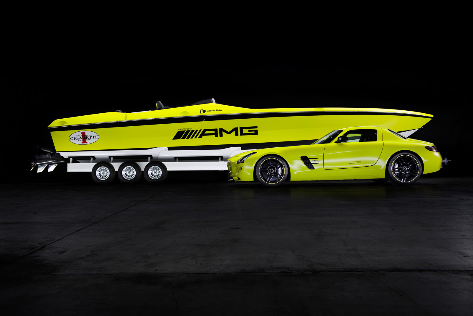 Mercedes-AMG Cigarette Racing Powerboat Concept