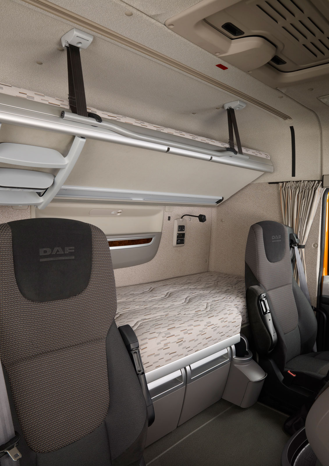 DAF XF Interior - view on bed - Car Body Design