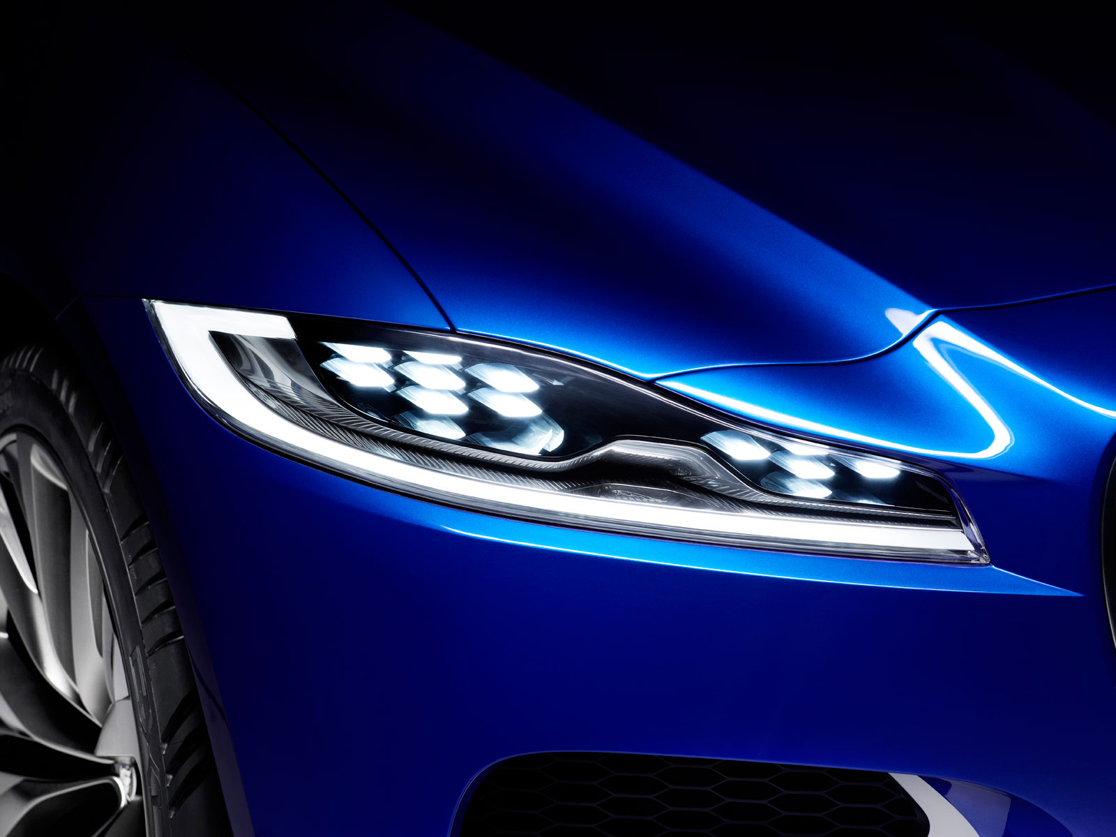 Jaguar C-X17 Concept - Headlight