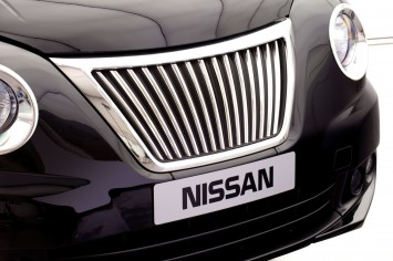 Nissan NV200 Taxi for London - Front grille detail