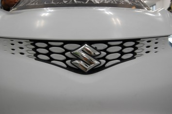 Suzuki Crosshiker Concept Prototype - Front grille and badge detail