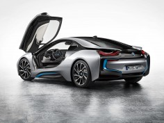 2015 BMW i8 Battery Pack Dictated Its Entire Design
