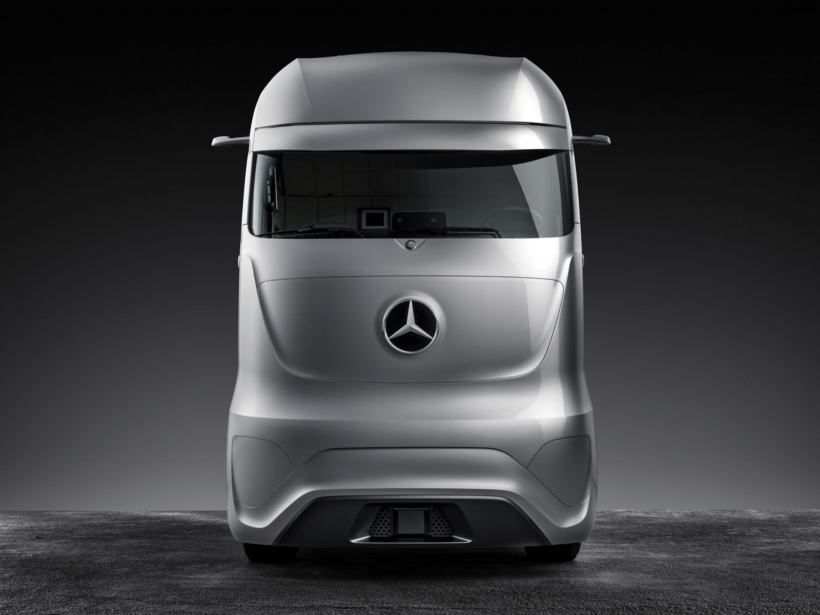 Mercedes Benz Future Truck 2025 Concept Car Body Design