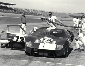 1965 Ken Miles and Lloyd Ruby in the winning Shelby Ford GT40 at the Daytona Continental 2000 km Race