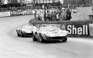1968 Two Gulf GT40s at the 24 Hours of LeMans