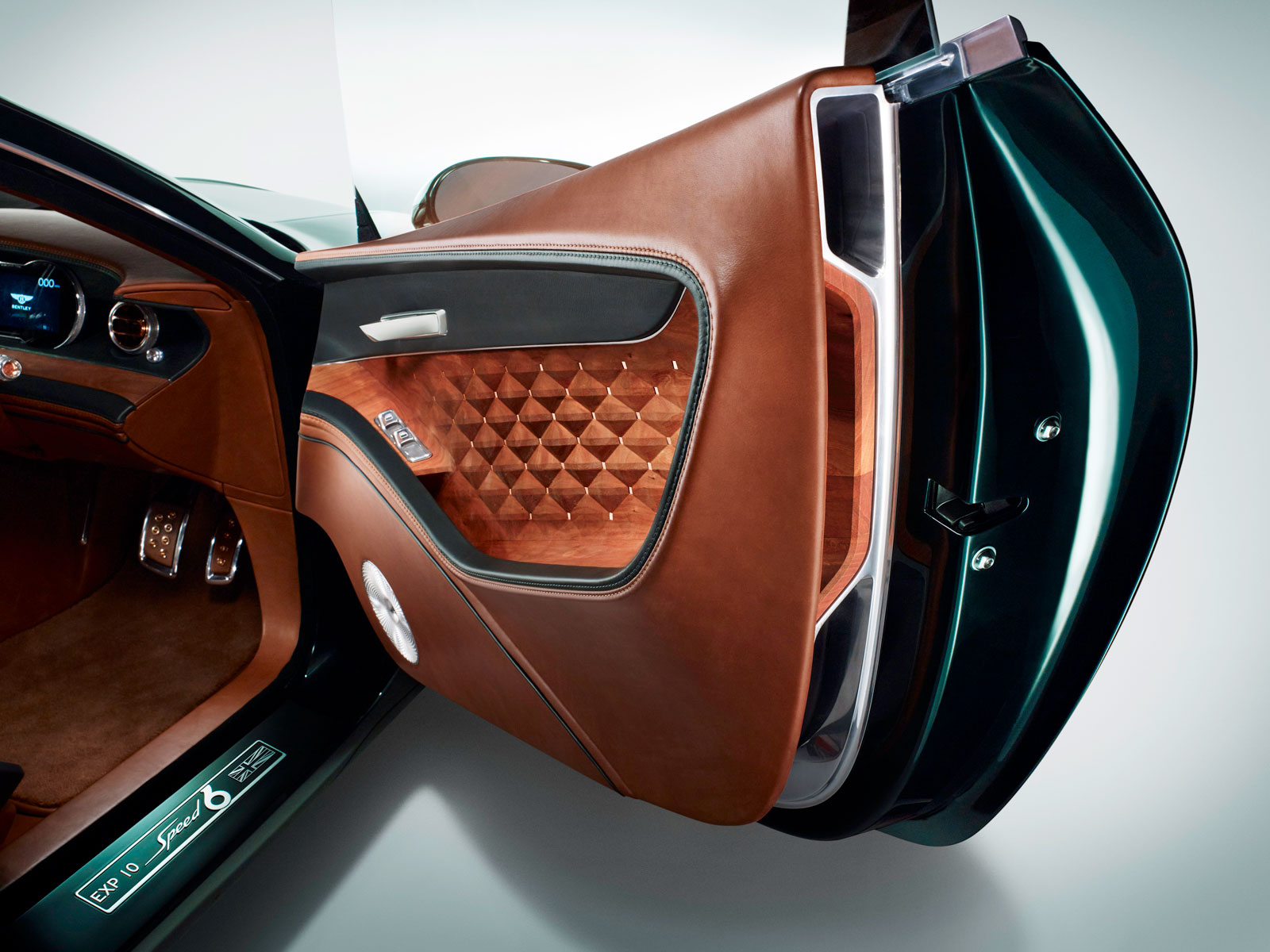 Bentley Exp 10 Speed 6 Concept Interior Door Panel Car Body Design