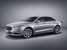 Ford presents new Taurus for the Chinese market